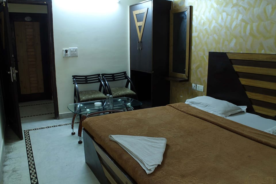 Hotel Anand, Karol Bagh, Hotel Anand