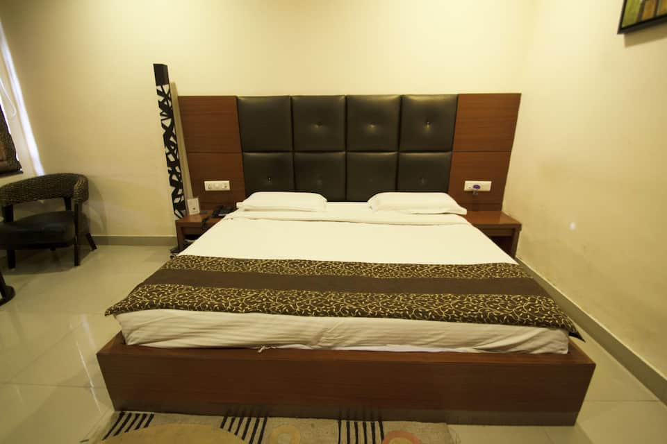 Hotel Data Inn, Shri Nagar Road, Hotel Data Inn