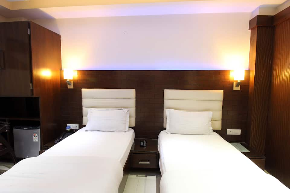 Hotel High 5 Land, Karol Bagh, Hotel High 5 Land