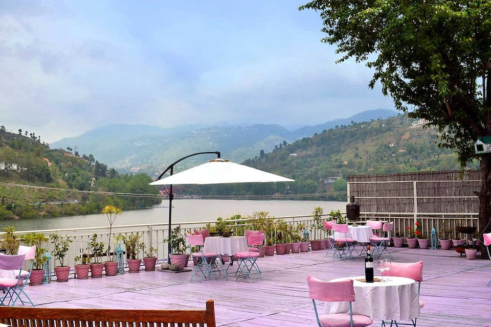 Fishermen's Lodge Bhimtal - Lake Facing Hotel