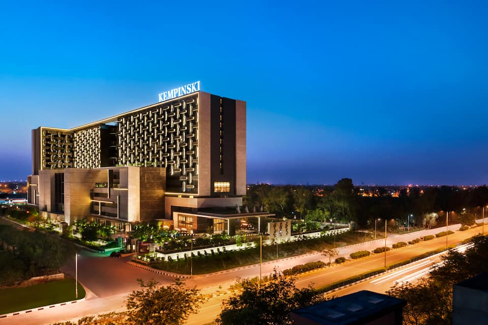The Leela Ambience Convention Hotel, Delhi, Shahdara, The Leela Ambience Convention Hotel, Delhi