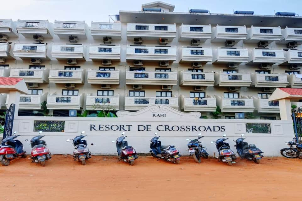 Resort De Crossroads