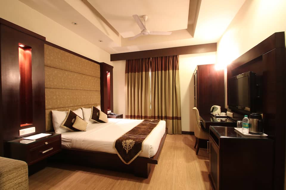 Freesia Hotel, South Delhi, Freesia Hotel