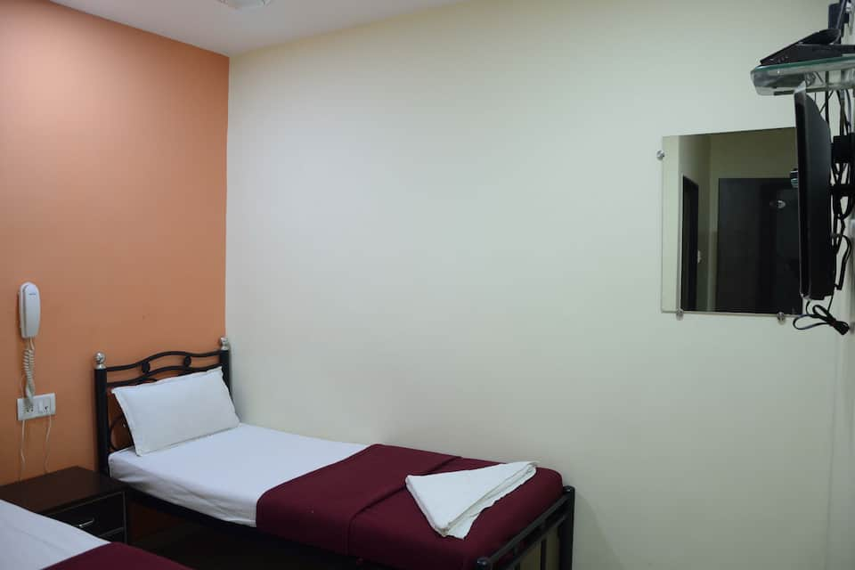 Decent Guest House, Kurla, Decent Guest House