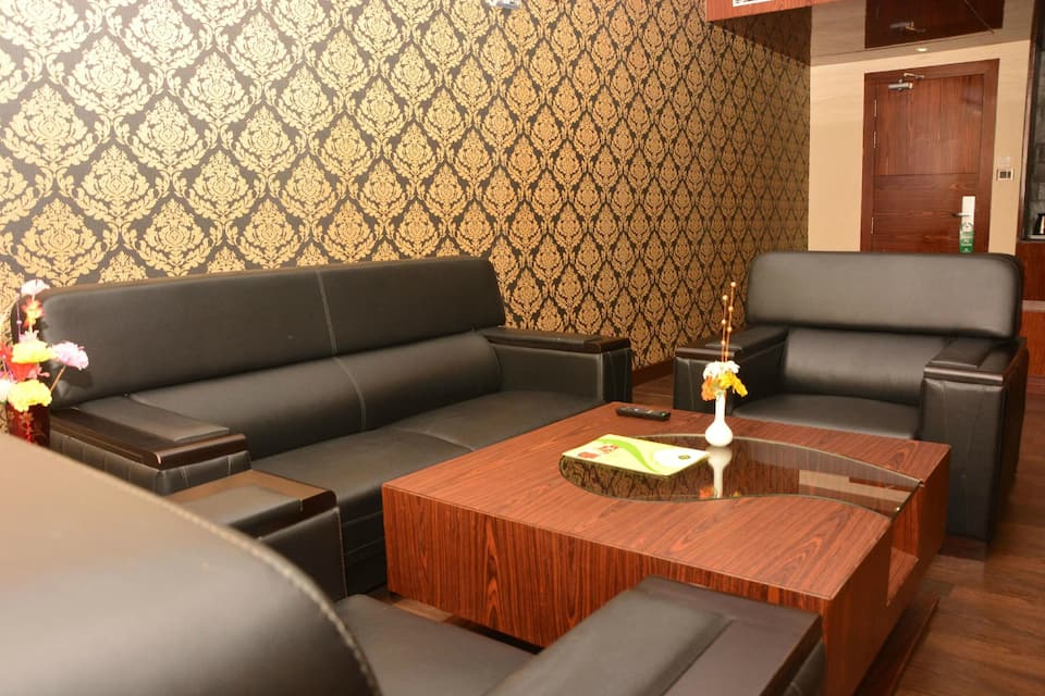Hotel Golden Palace, Subhash Bose Square, Hotel Golden Palace