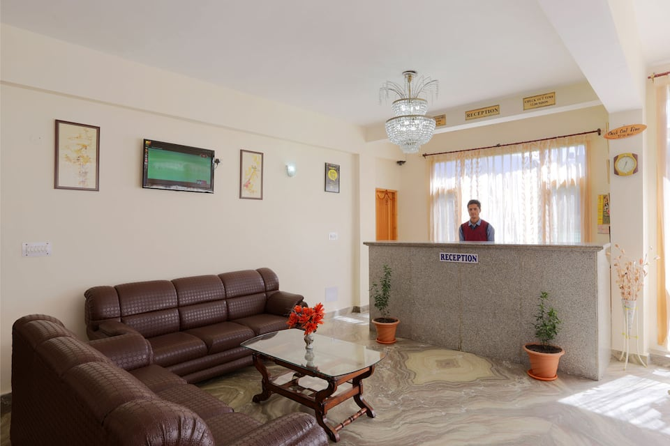 Hotel New Ambika International, Model Town, Hotel New Ambika International