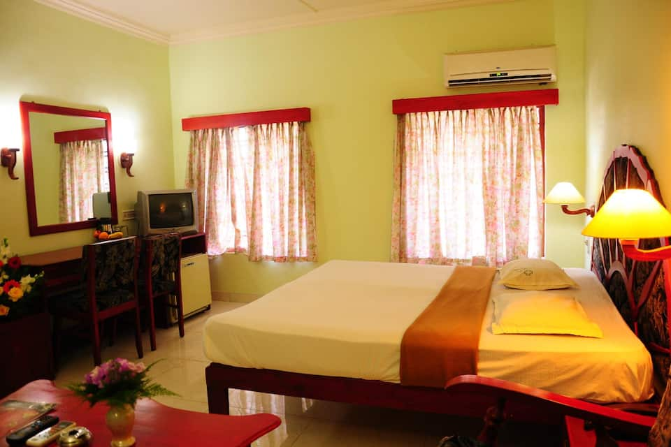 Paulson Park Hotel, Ernakulam South Junction, Paulson Park Hotel