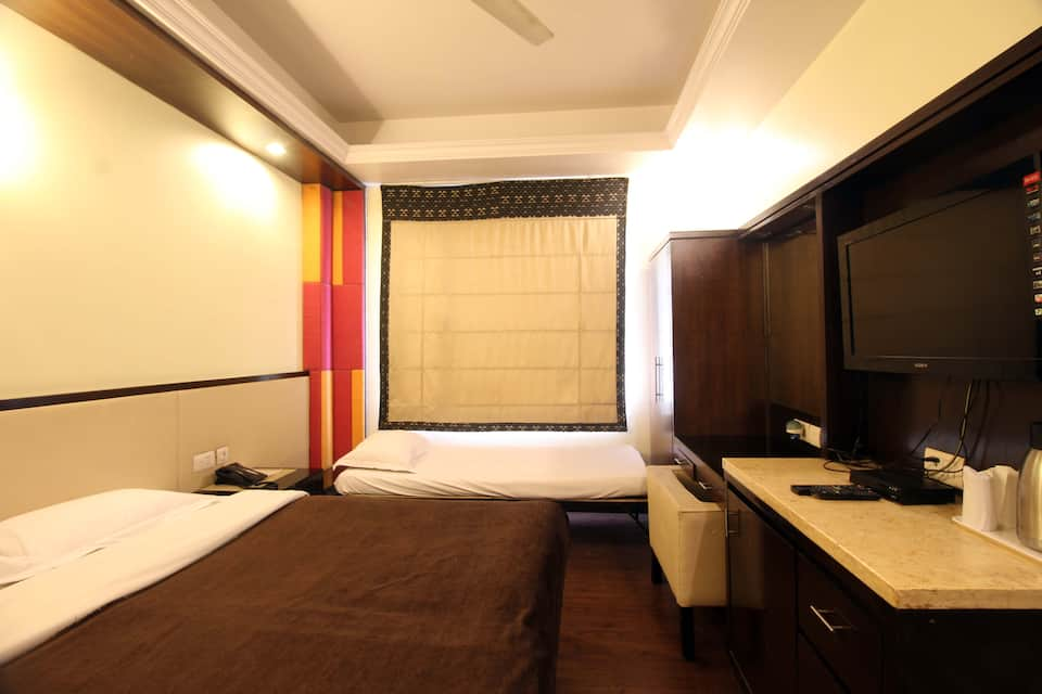 Hotel Marble Arch, Pusa Road, Hotel Marble Arch