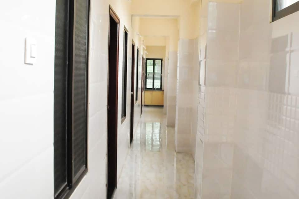 D K R Residency Hotel, Old Tiruchanoor Road, D K R Residency Hotel