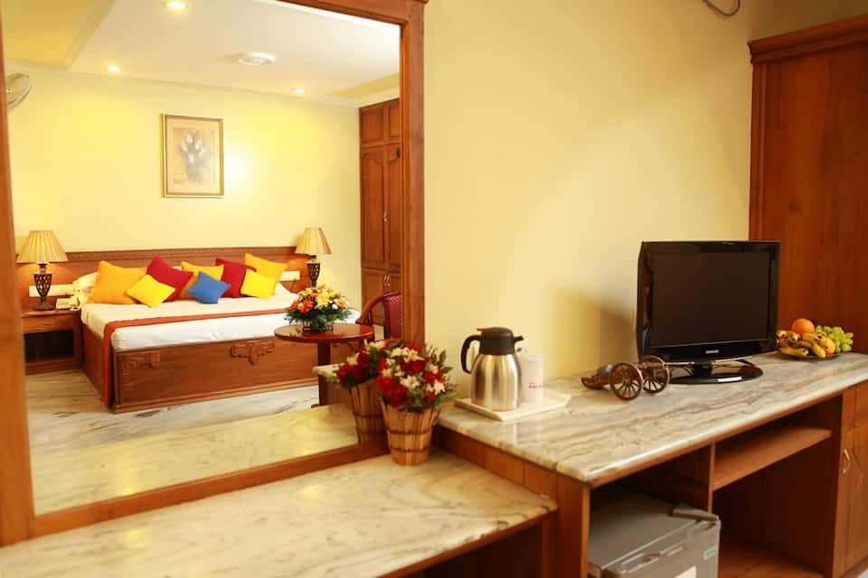 Hotel Grand Seasons, Chittoor Road, Hotel Grand Seasons