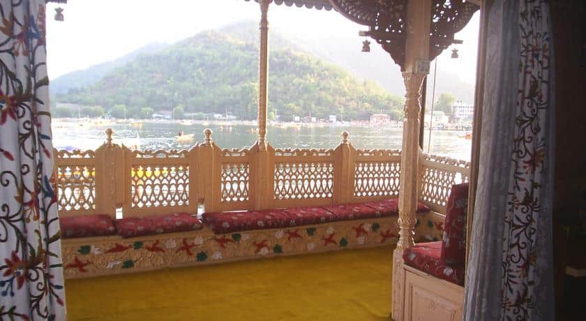 Royal Dandoo Palace of Houseboat, Dal Lake, Royal Dandoo Palace of Houseboat