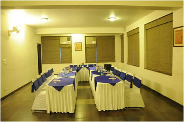 Hotel Safari, Ajmer Road, Hotel Safari