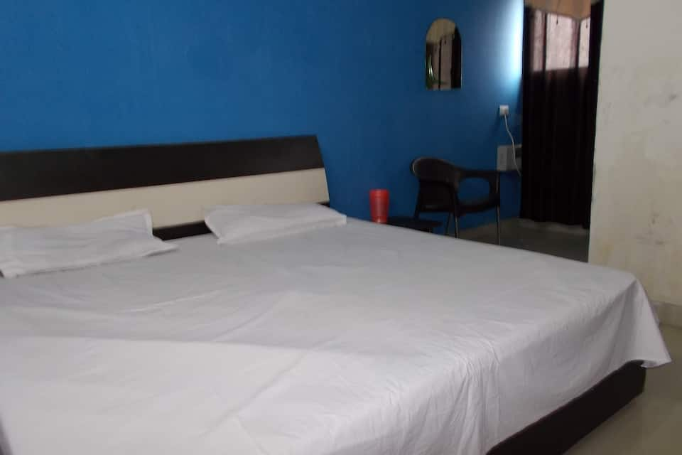 Hotel Neelam Palace, Sector 45 A, Hotel Neelam Palace