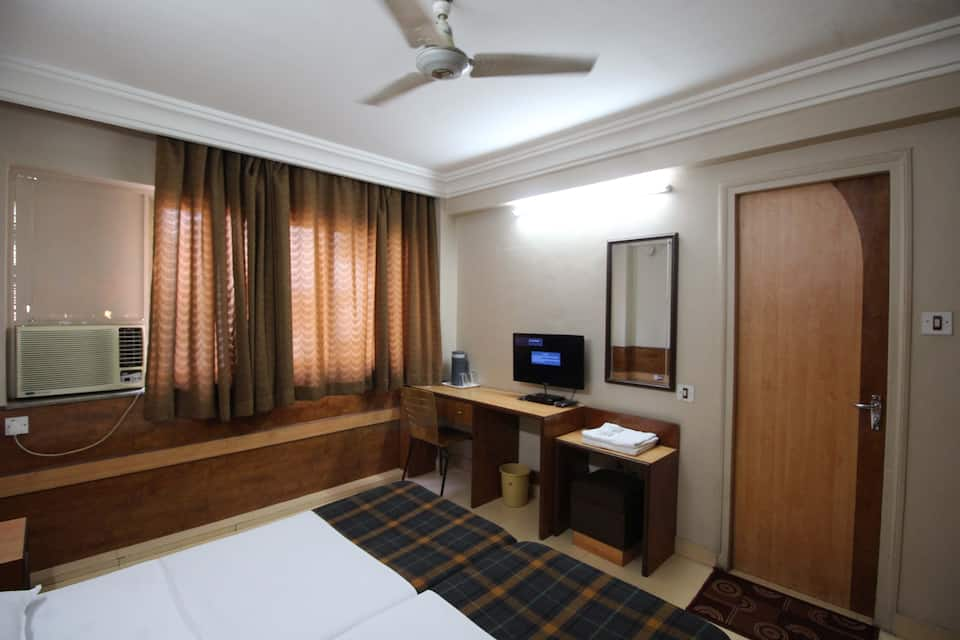 Hotel City Point, Dadar East, Hotel City Point