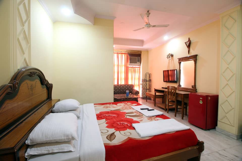 Royal Residency, Karol Bagh, Royal Residency