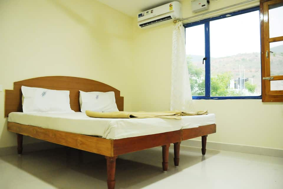 Bhanu Residency (Near Kapil Thirtham Temple), K T Road, Hotel Bhanu Residency