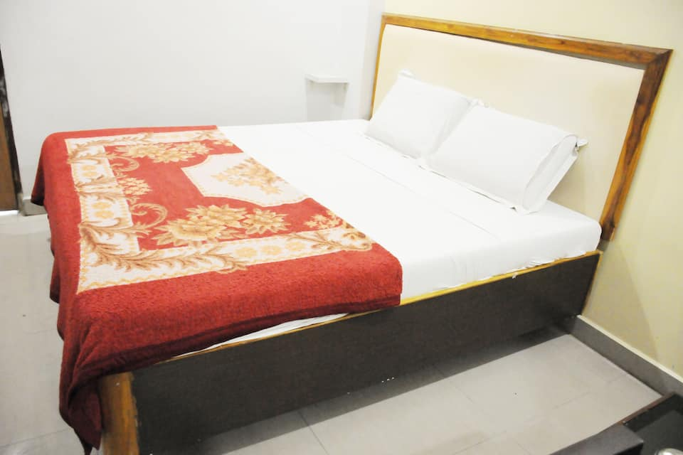 Andhra Spice Residency, Opp APSTRC Bus Stand, Hotel Royal Grand