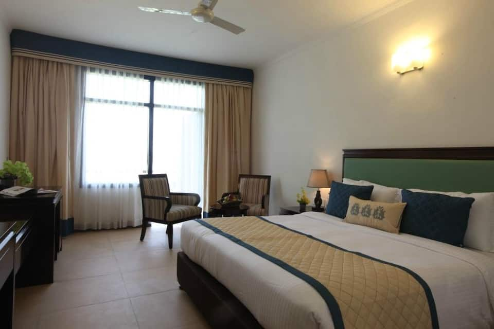 Treehouse Dwarka Hotel and Club, Delhi Jaipur Road, Treehouse Dwarka Hotel and Club
