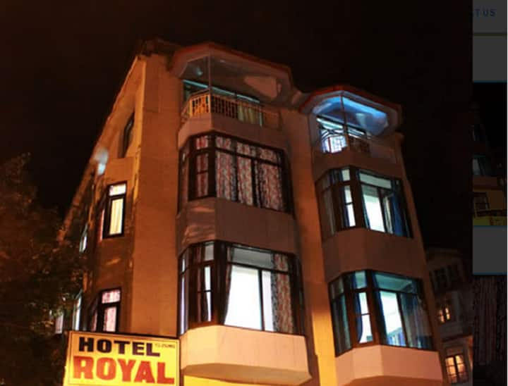 Hotel Royal, Gurudwara School Road, Hotel Royal