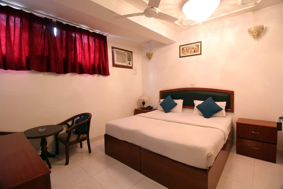 Hotel Malik Continental, South Delhi, Hotel Malik Continental