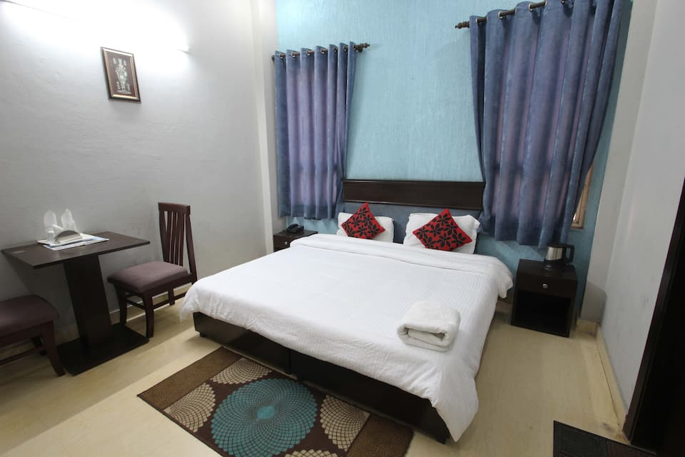 Galaxxy Inn, Mehrauli Gurgaon Road, Galaxxy Inn