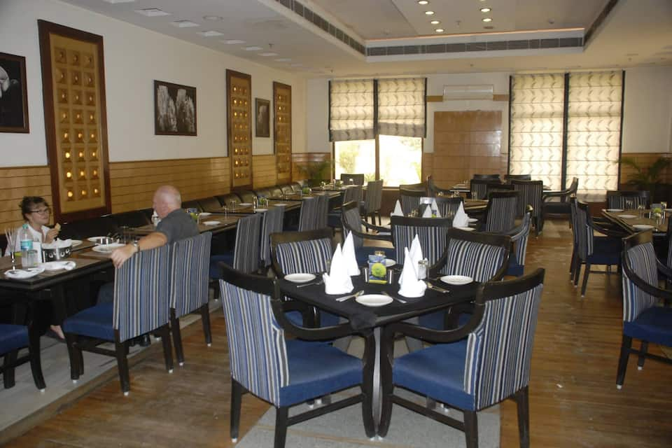 V One Hotel - The Competent Palace, Selaqui Industrial Area, V One Hotel - The Competent Palace