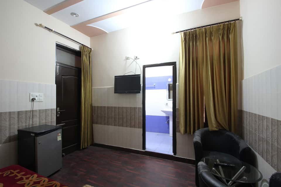 Sheetal Hotel & Restaurant, Sector 12, Sheetal Hotel  Restaurant