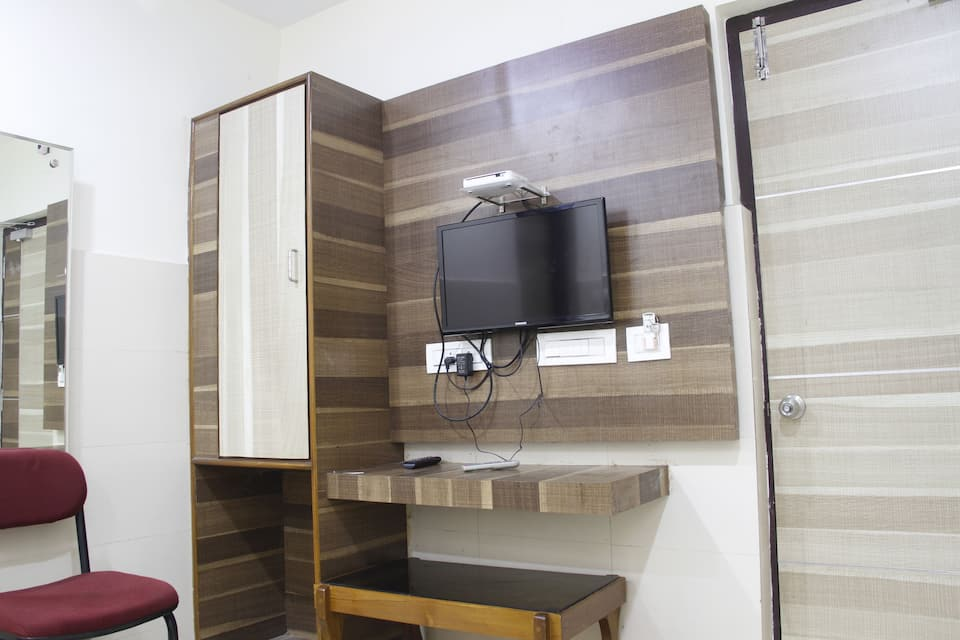 Vijaya Residency, Jagadamba Junction, Vijaya Residency