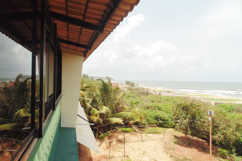 Dmellos Guest House, Candolim, TG Stays Ecsrivao Vaddo