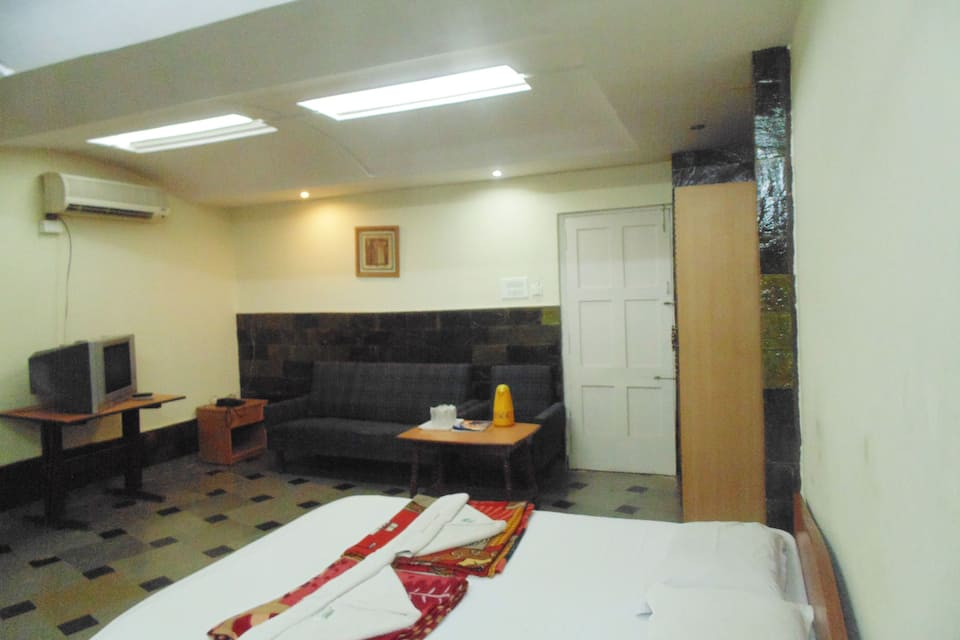 Campal Beach Resort, Panjim, Campal Beach Resort