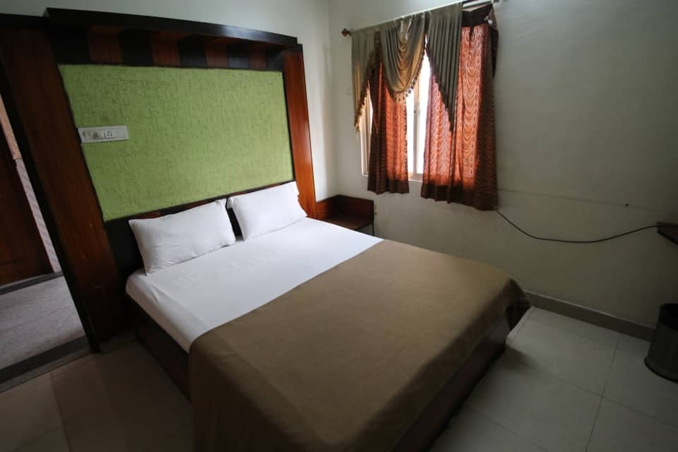 Star Deluxe Lodge, Shivaji Nagar, Star Deluxe Lodge
