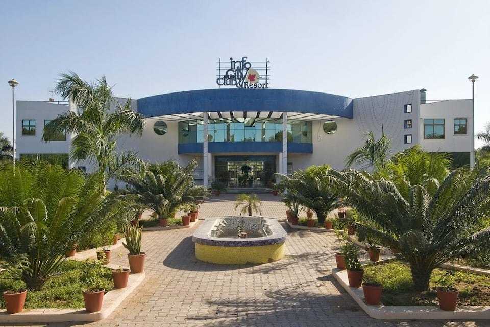 Infocity Clubs And Resort, Airport - Gandhinagar Road, Infocity Clubs And Resort