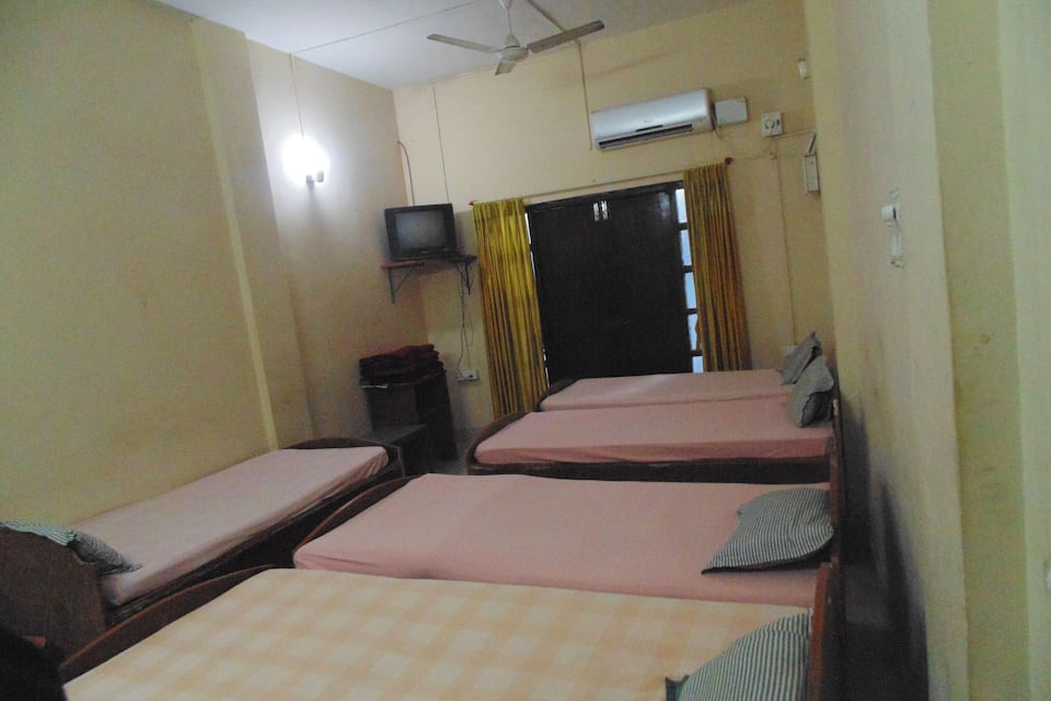 Youth Hostel in Goa - Book Room /night