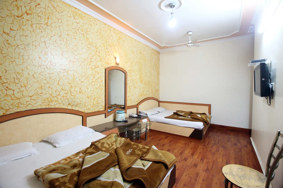 Yatri International Guest House, Arakashan Road, Yatri International Guest House