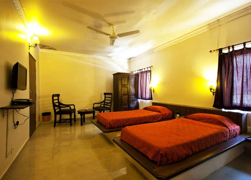 Hotel Mayaa Mansion, M.I.Road, Hotel Mayaa Mansion