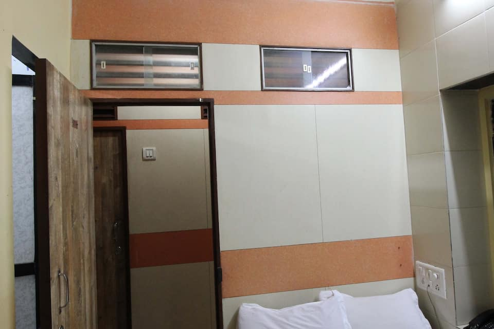 Hotel Summer Land, Dadar (East), Hotel Summer Land