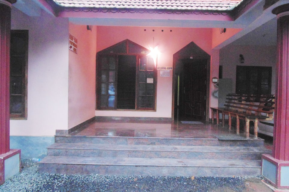Pooniyiel Homestay, , TG Stays Vistrutha Massage CentreThathampally