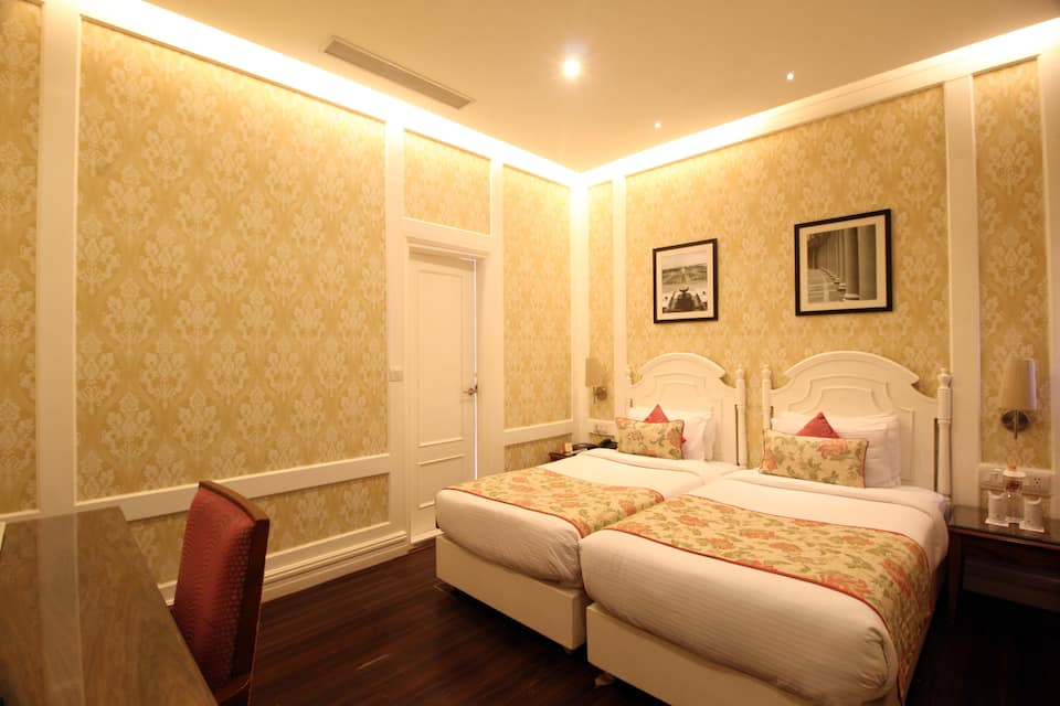 Hotel Bright, Connaught Place, Hotel Bright
