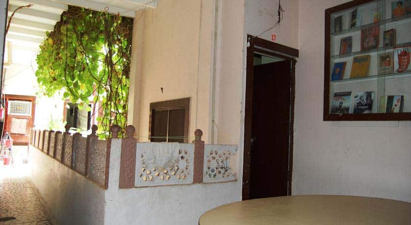 Hotel Sai Palace, Walking Distance from Taj Maha, Hotel Sai Palace