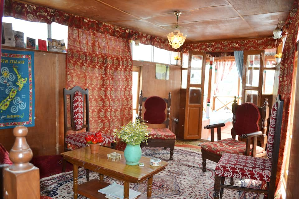 Dunhill Houseboat, Dal Lake, Dunhill Houseboat