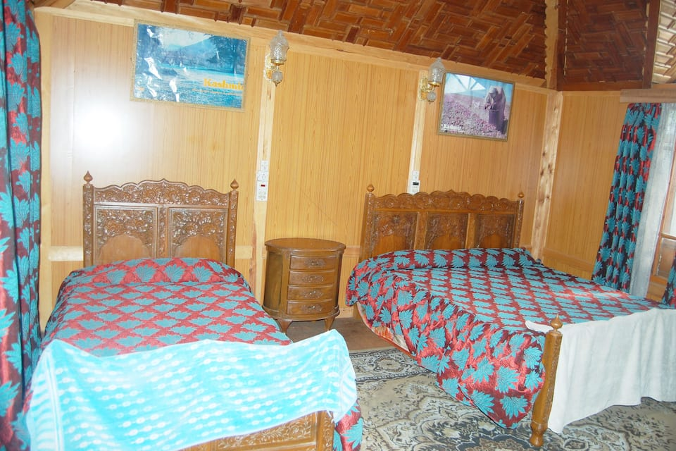 New Upper Houseboat, Dal Lake, New Upper Houseboat