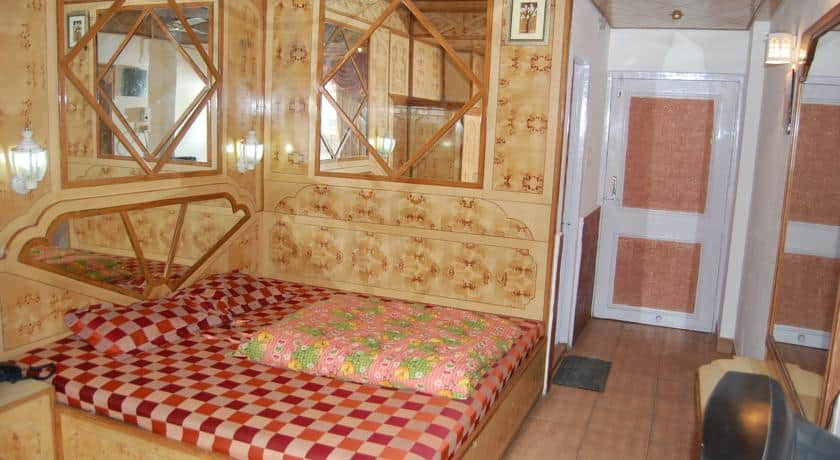 Hotel Gulmarg Regency, The Mall, Hotel Gulmarg Regency