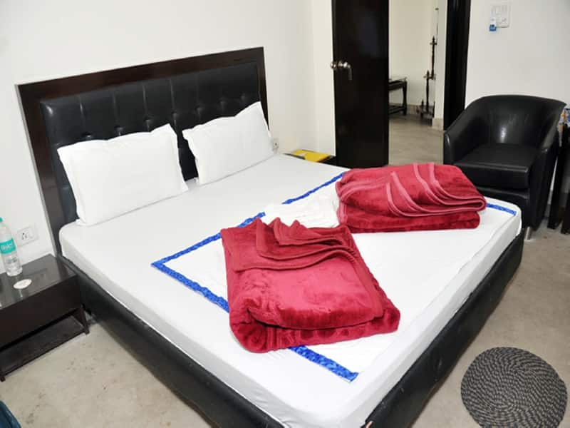 New Residency Hotel, Sector 15, New Residency Hotel