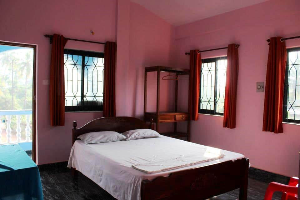 Morjim Sunset Guest House, Morjim, TG Stays Tembwada