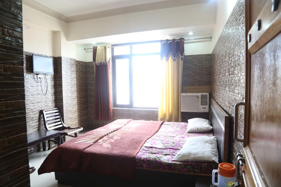 New Thakur Guest House, Jammu Road, New Thakur Guest House
