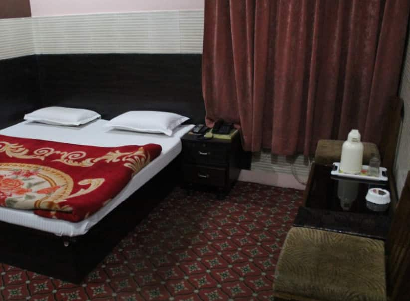 Hotel Red Rose, Near Bus Stand, Hotel Red Rose