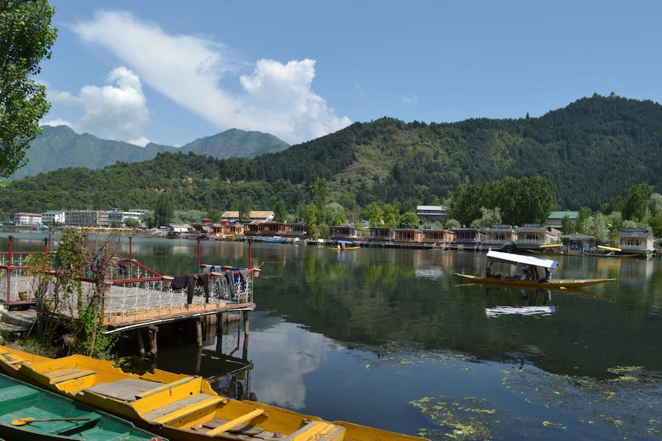 Young Hollywood House Boat, Dal Lake, Young Hollywood House Boat