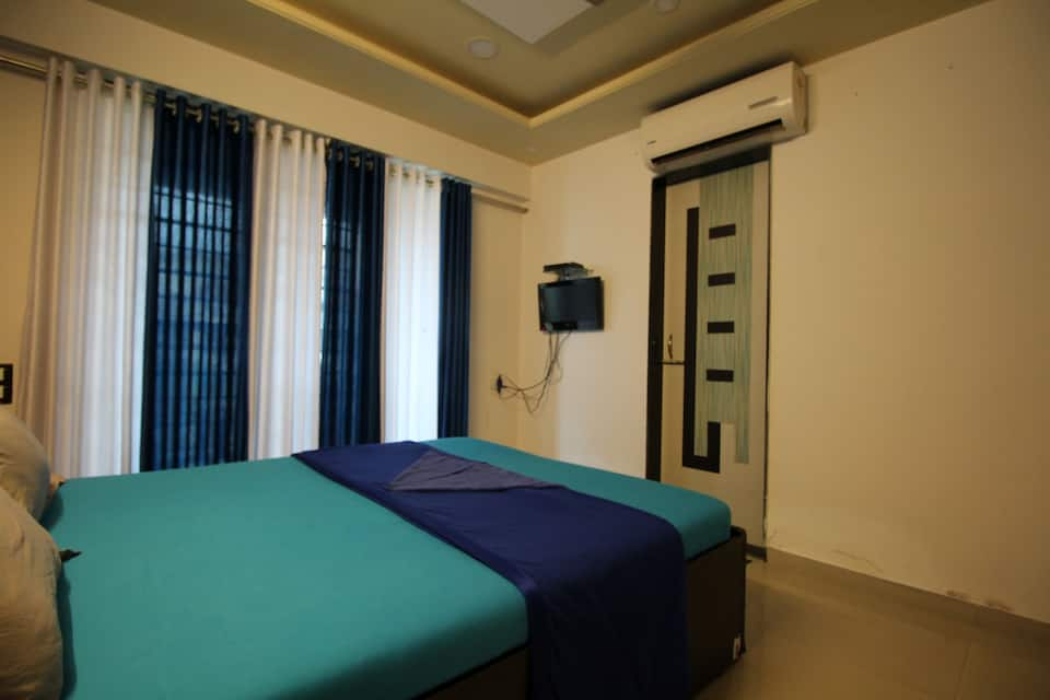 Gagal Hospitality Service Apartment 2, Kandivali, TG Stays Dattani Park Road