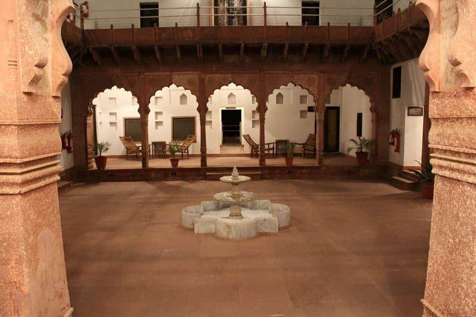 Chandra Mahal Haveli, Jaipur Agra Highway, Chandra Mahal Haveli