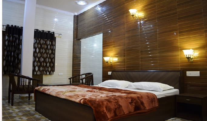 Hotel Holy City, Chowk Parag Dass, Hotel Holy City